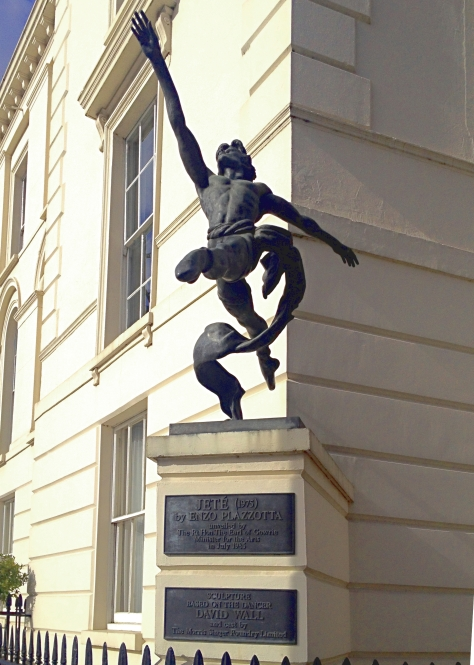 Jete - statue at Millbank, London